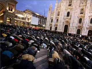 Prayer-in-milan